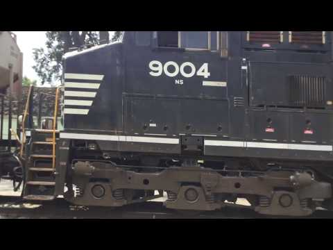 Norfolk Southern 9004 LHF leads 33 grain loads on the TP&W in Gridley and El Paso, IL 08/27/17