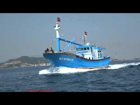 Chạy thử tàu cá vỏ Composite Hải Dương 2016