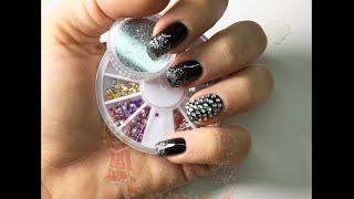 Nail art - monocolore nero con strass e glitter argento (Smalto) Thumbnail
