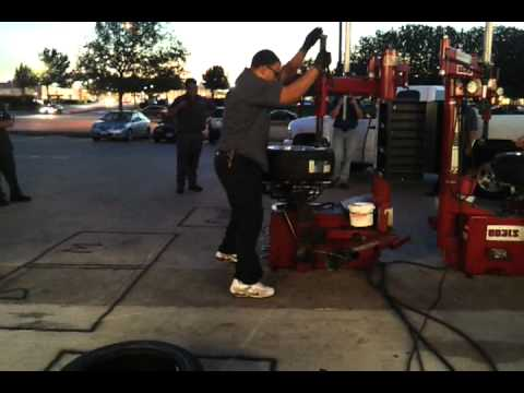 how to change a truck tyre