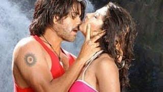 Super Telugu Movie   Gichchi Gichchi  Song With Lyrics   Nagarjuna, Ayesha Takia, Anushka