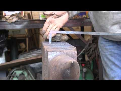 Forging a square bend