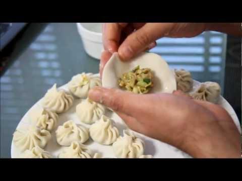 Nepalese momo / dumplings (chicken and veg) - Part 1