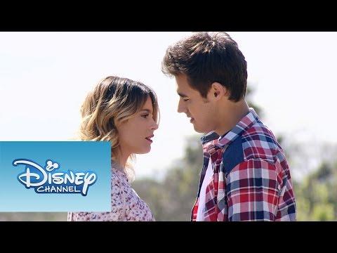 """Violetta: Momento Musical: Violetta y León interpretan """"Nuestro camino"""""""
