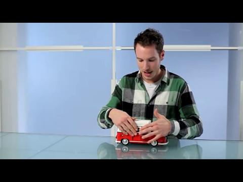 Volkswagen T1 Camper Van - LEGO Creator - 10220 - Designer Video