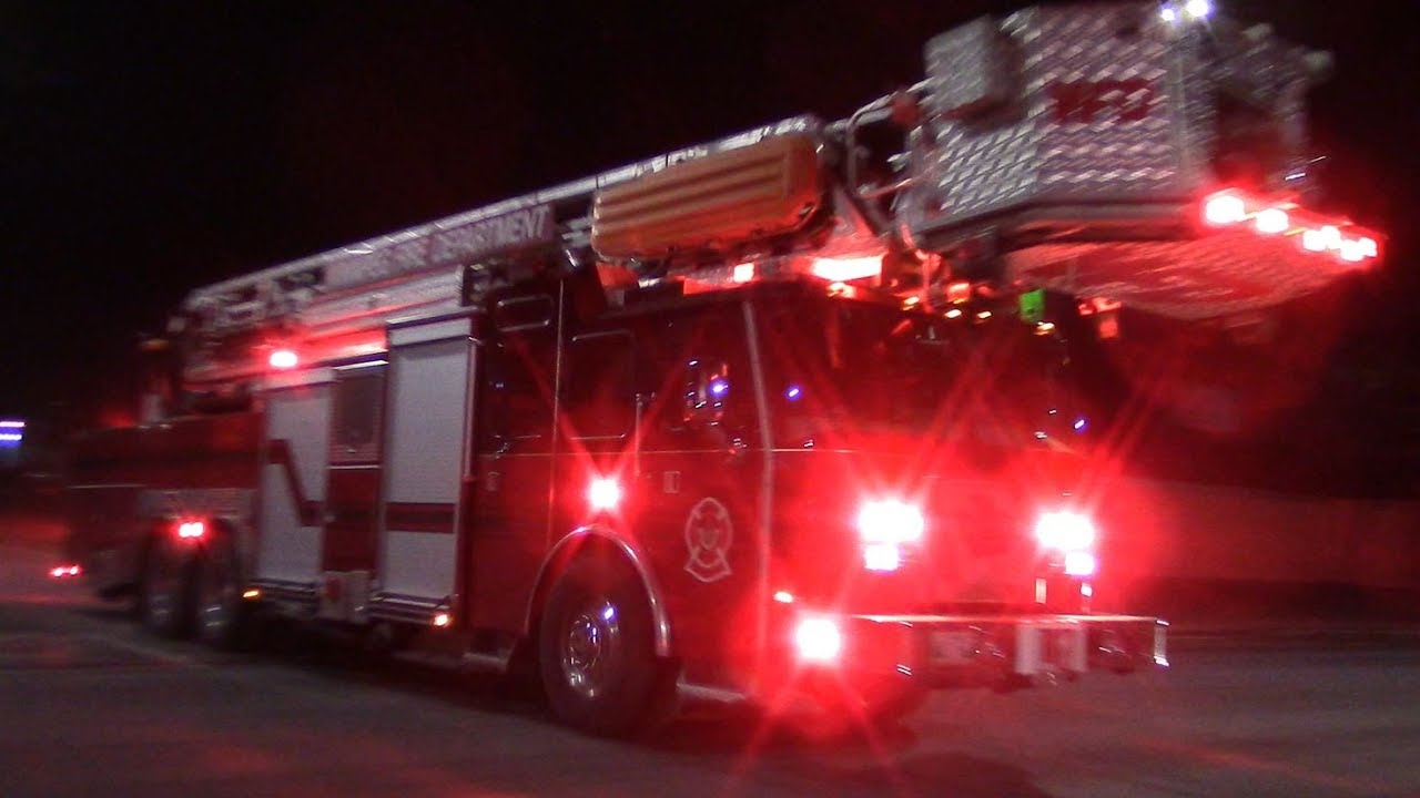 6ee71eff98 8 WINNIPEG FIRE TRUCKS RESPONDING - Big Structure Fire Response ...