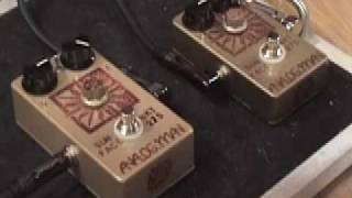 Analogman Sunface NKT 275 fuzz pedal High Gain vs Standard Version w Tele & Blues Jr amp