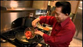 Circulon Presents Martin Yan: Beef With Broccoli