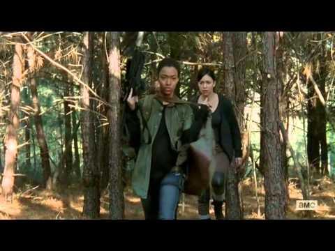 The Walking Dead 5x15 Michonne, Sasha and Rosita zombie kill spree