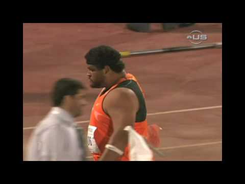 Hoffa beats Olympic champ in shot-put from Universal Sports