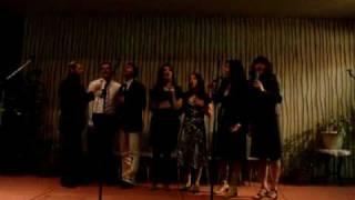 Jesus Copyright improvising backing vocal at Paris Est church in Paris
