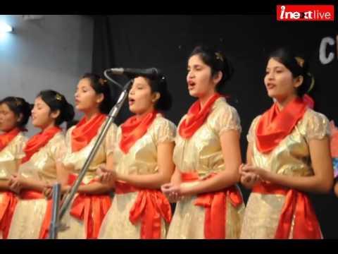 Christmas Carol Meaning.Girls Present Mesmerizing Christmas Carols In Hindi