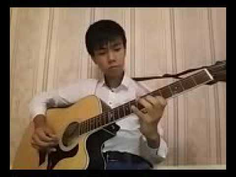 Бир турли кыз на гитаре