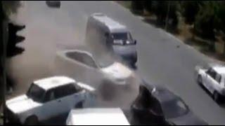 подборка ДТП жесть Avto Man # 19(Множество невероятных происшествий и просто неожиданностей происходящих на дороге в 2012 году Авто видео..., 2013-06-04T12:15:16.000Z)