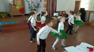 Смотреть клип РЇ танцую РРѕРє-РЅ-ролл онлайн