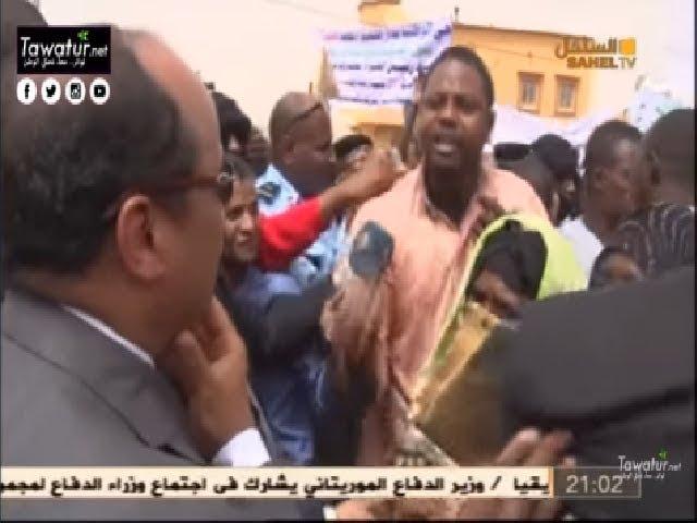 ولد عبد العزيز يزور بعض المرافق العمومية بدار النعيم .. والمواطنون يشكون تردي أحوال مقاطعتهم