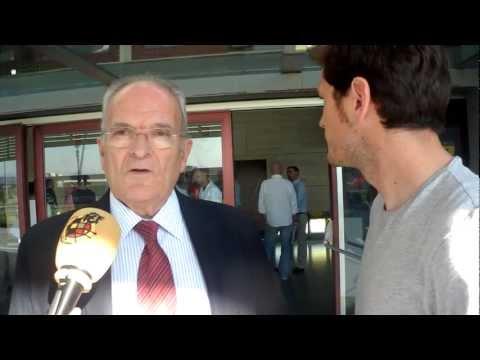 Iker Casillas asiste al Curso de Directores Deportivos de la RFEF