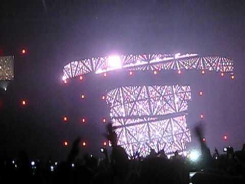 Swedish House Mafia - Calling (Sebastian Ingrosso & Alesso) Telenor Arena Oslo 22 Dec 2012