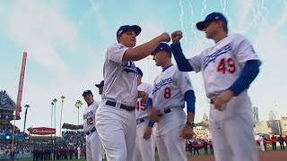 NLCS Gm3: Roberts, Dodgers starters introduced