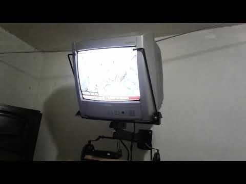 Televisão ligado com a antena normal