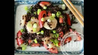 Салат из черного дикого риса с креветками