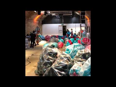 Balloonista - massive biodegradable balloon garland installation