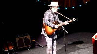 Elvis Costello - A Slow Drag With Josephine (Live @ Olympia)
