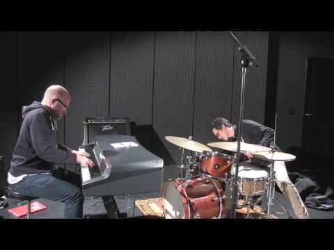 F.Robbe (Rhodes Mk 7) and J.Gloaguen (Gretsh drums) LIVE LIVE LIVE