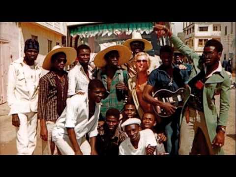 ETOILE DE DAKAR feat. Youssou Ndour plays 'BAX' live 1979. Guest: Sakari Kukko