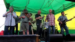 Leigh Folk Festival 2015 - Famous Potatoes - Eight More Miles To Leigh-on-sea