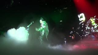 "KISSONLINE EXCLUSIVE: GENE SPITTING BLOOD / ""GOD OF THUNDER"" - CALGARY"