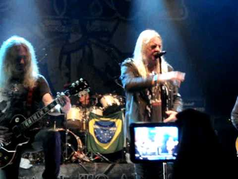 Saxon - Call To Arms (live in Sao Paulo - Brazil)