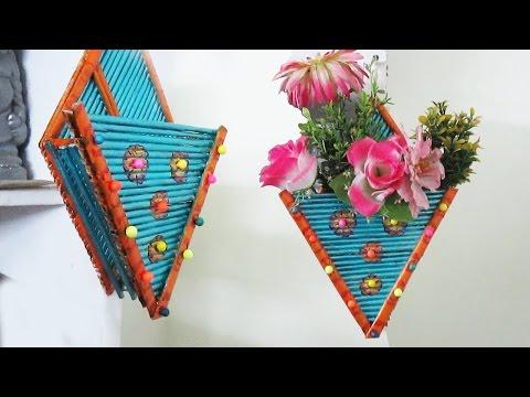 How to make newspaper flower vase diy newspaper crafts doovi Diy home decor flower vase