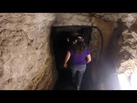 Carlsbad Caverns Natural Entrance and Kings Palace