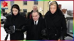 Angela Wepper : Auf dem Weg zur Trauerfeier geben sich Fritz Wepper und seine Tochter Halt.