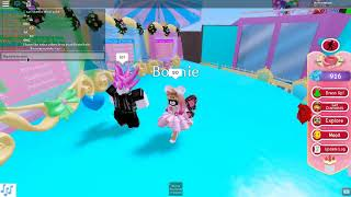 New valentines update with my friend Pan (roblox royale high)