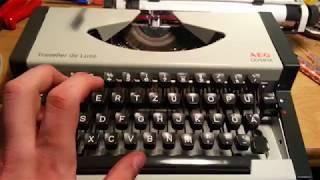 Traveller de Luxe typewriter Schreibmaschine unis aeg olympia