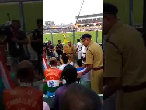 Ind Aus cricket at Eden Garden,Police tells sudhir kumar not to wave indian flag||K.J videos