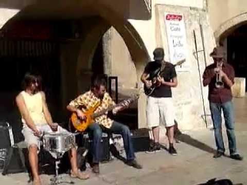 musiciens à Nyons.wmv