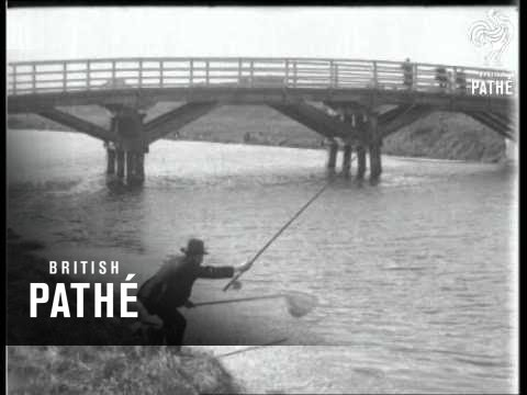 Grimsby - For Fish And Fishermen  (1927)