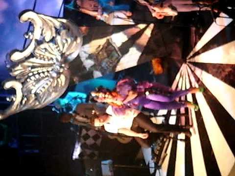 Paloma Faith Romance is Dead - Live in Leeds :) thumbnail