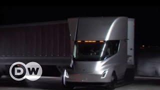 Tesla lança seu primeiro caminhão elétrico