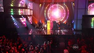 Carly Rae Jepsen - This Kiss / Call Me Maybe (American Music Awards 2012) HD