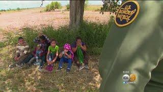 Baixar Trump Signs Order To Halt Separation Of Families At Border