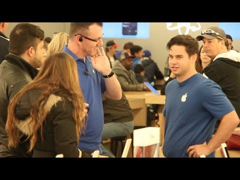 Bad Apple Store Employee Prank!