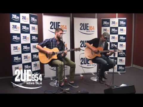 Brian McFadden performes Flying without wings on NewsTalk2UE