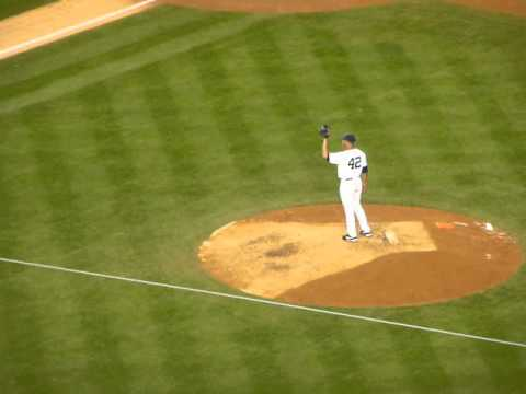 Enter Sandman - the first appearance of Mariano Rivera in 2013