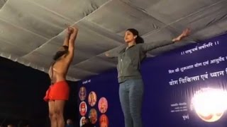 Shilpa Shetty and Baba Ramdev doing yoga together, watch video