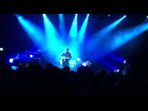 Alex Clare - Hold Yuh (live)