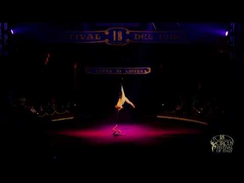 DUO REQUIEM (Colombia, Aerial Straps) - 18th Int. Circus Festival of Italy (2016)